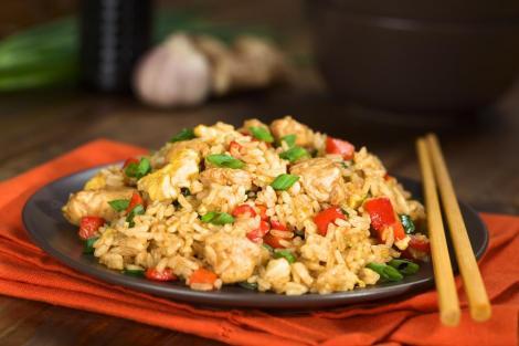 Εύκολο κινέζικο τηγανιτό ρύζι