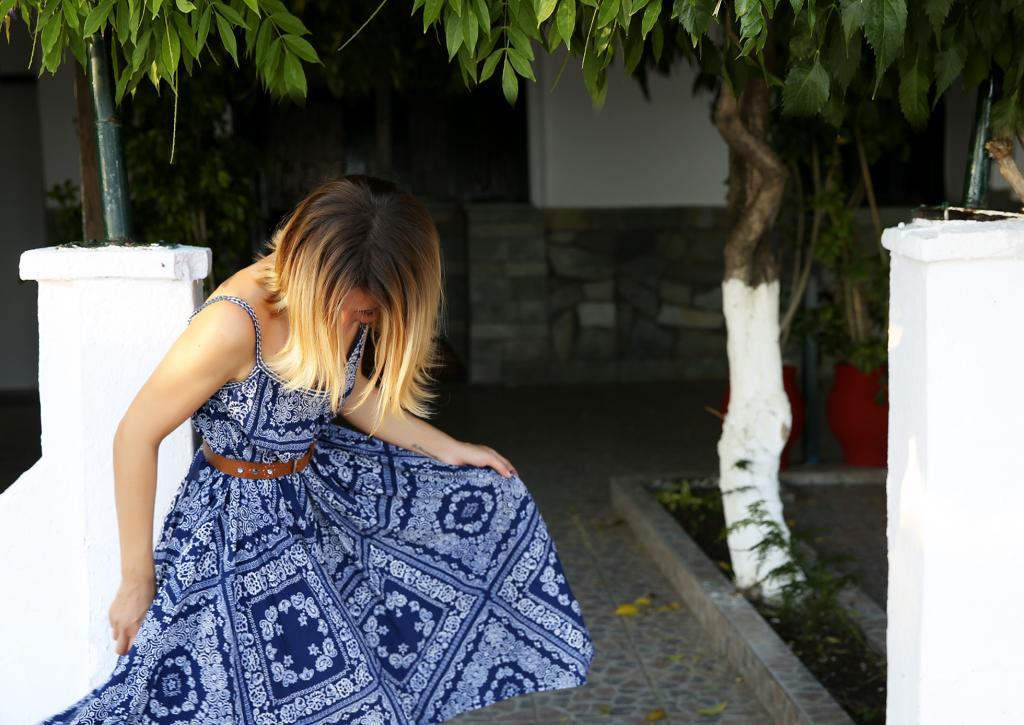 Μαρία Ηλιάκη  Δείτε τη με το κομψό φόρεμα που είναι ιδανικό για τις ... 4ccb024d4b7
