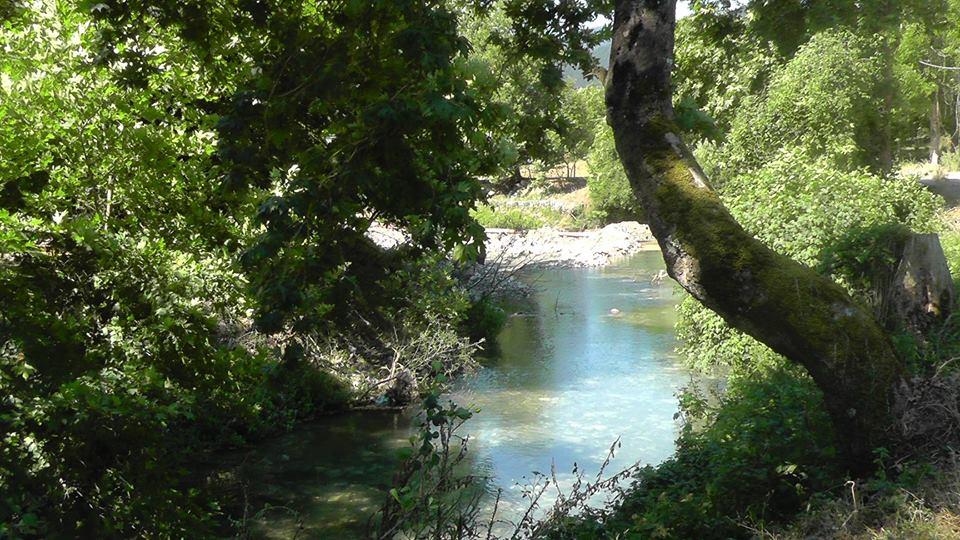 Κεφαλόβρυσο: Το παραδοσιακό χωριό μέσα στα καταπράσινα βουνά της Ευρυτανίας  — Μαρία Ηλιάκη